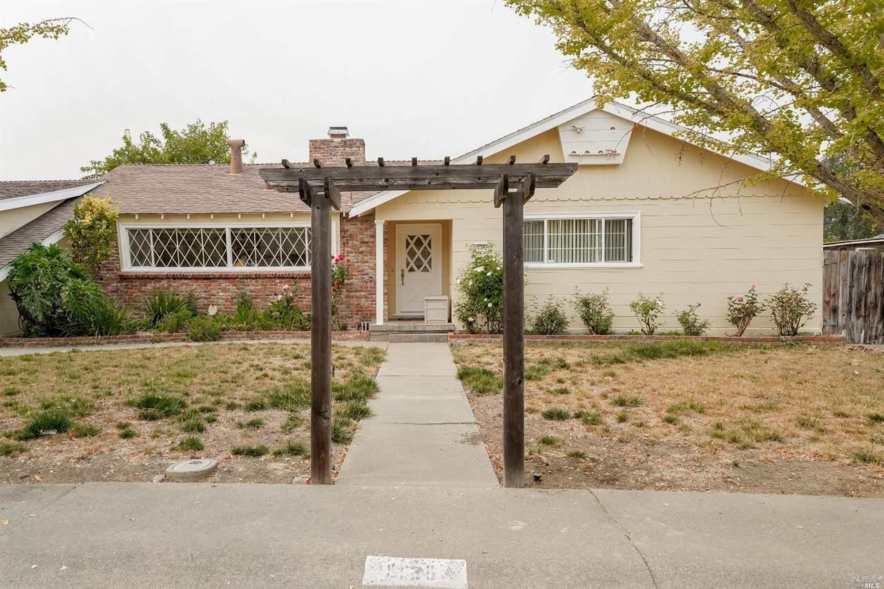 1136 Valle Vista Avenue - Photo 1