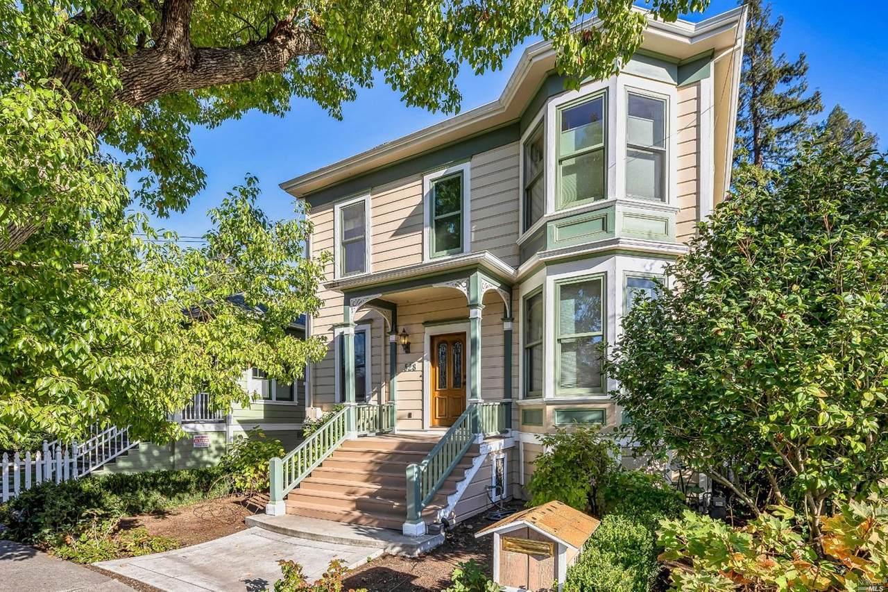 528 Coombs Street - Photo 1