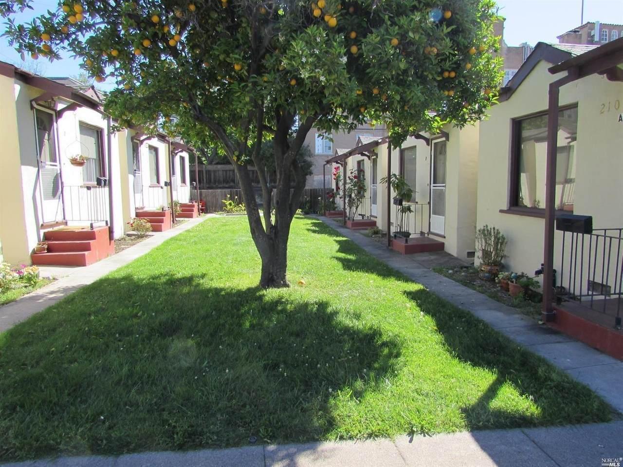 210 Keller Street - Photo 1