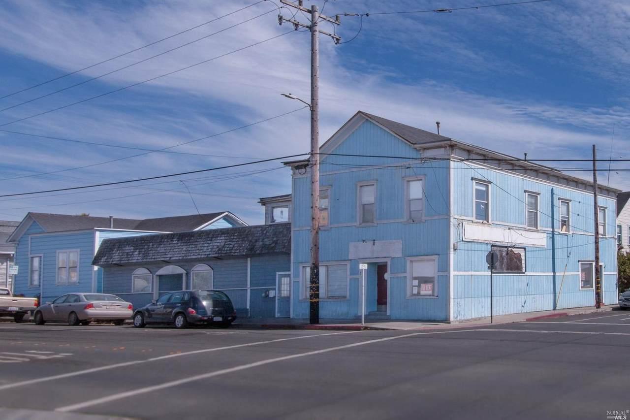 200 Oak Street - Photo 1
