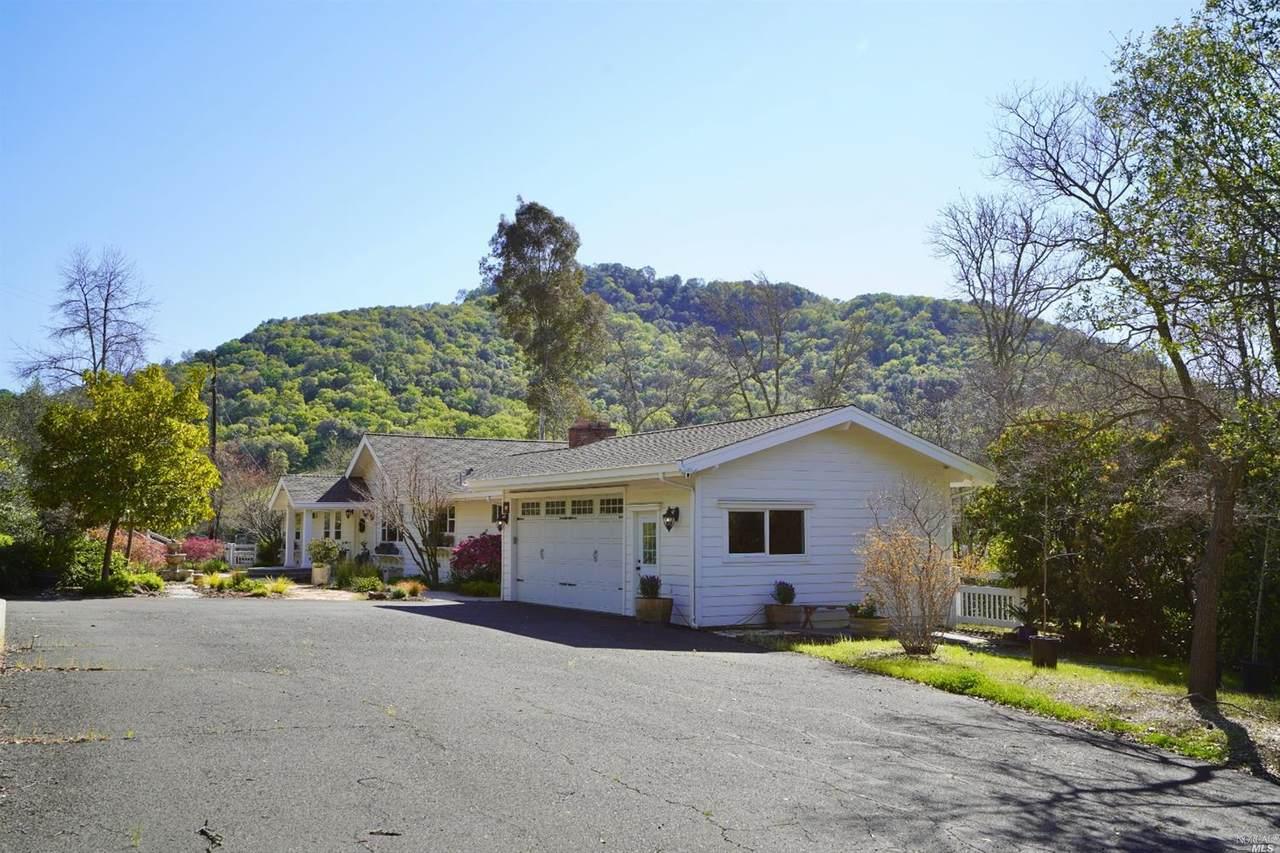 11 Oak Springs  Drive - Photo 1