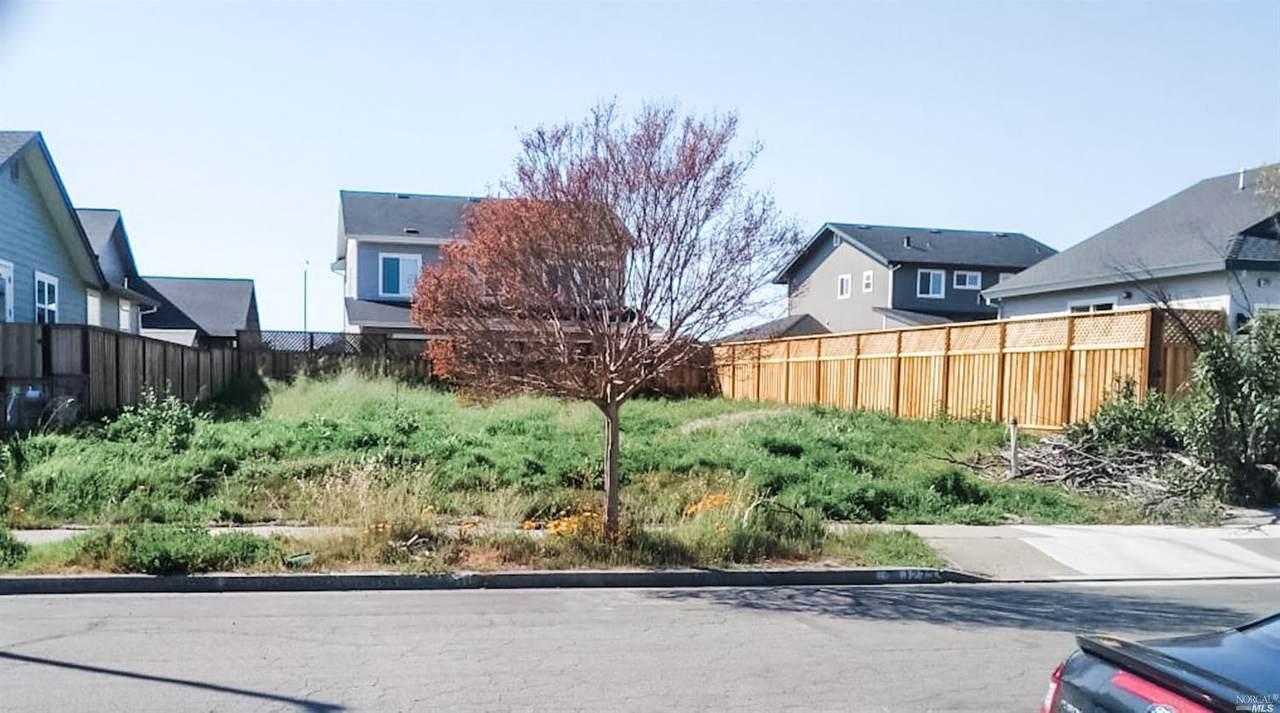 1273 Dogwood Drive - Photo 1