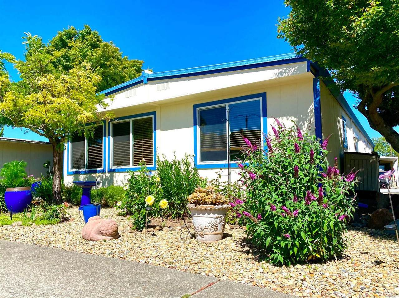 8 Hacienda Drive - Photo 1