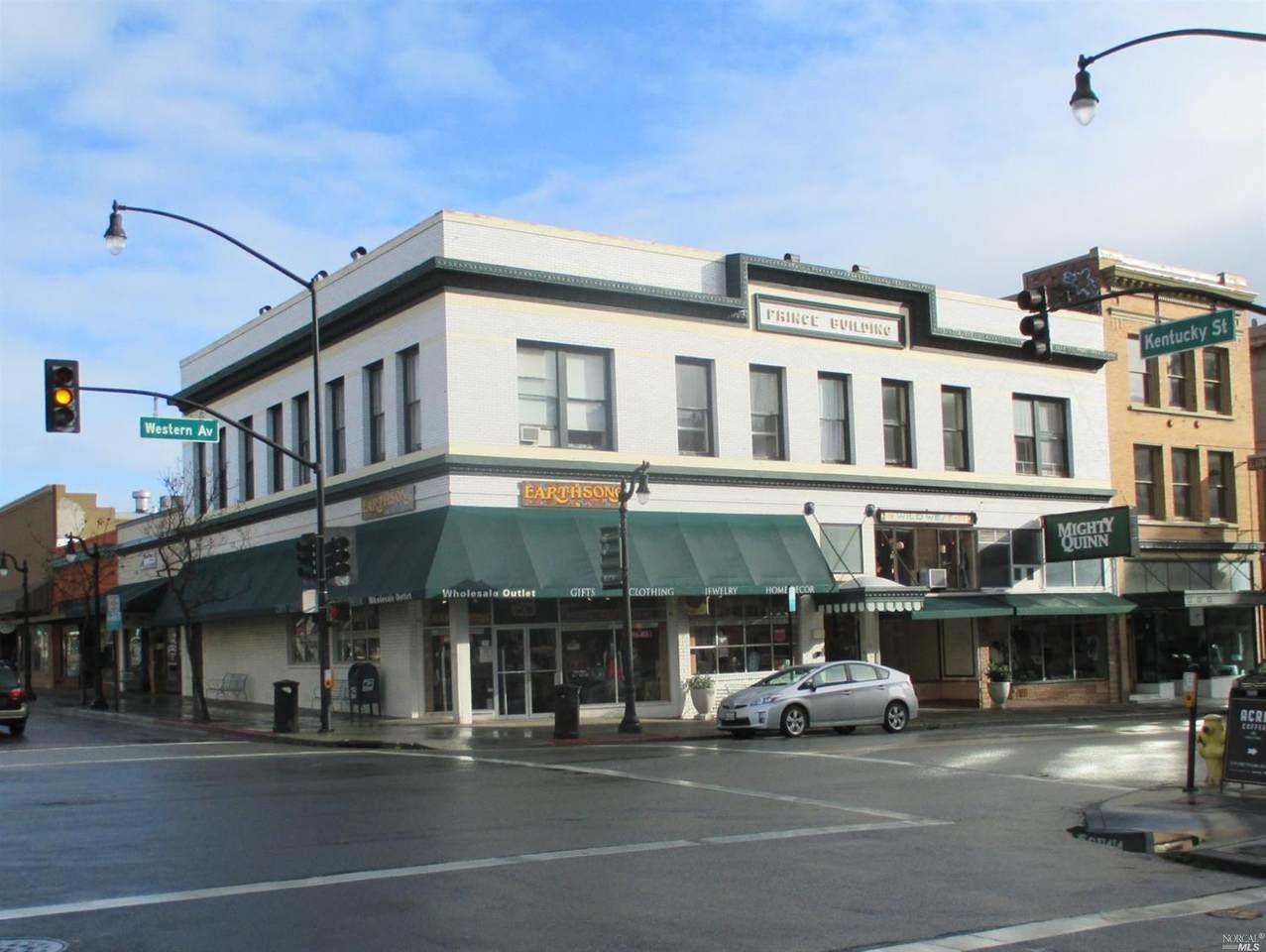 24 Western Avenue - Photo 1