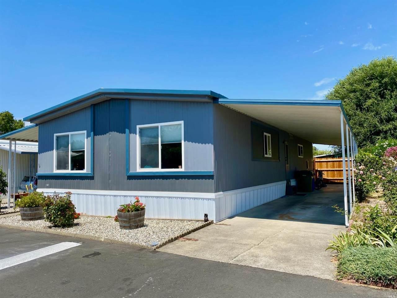 706 Sequoia Street - Photo 1