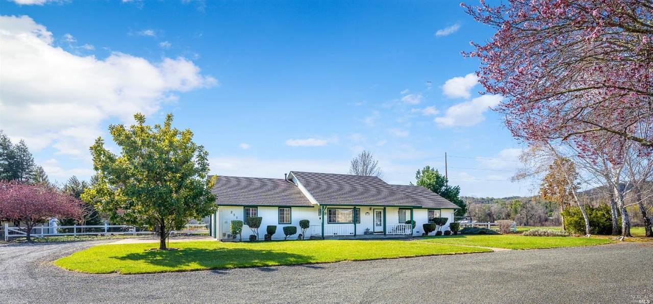 211 Glorenbrook Meadows Lane - Photo 1