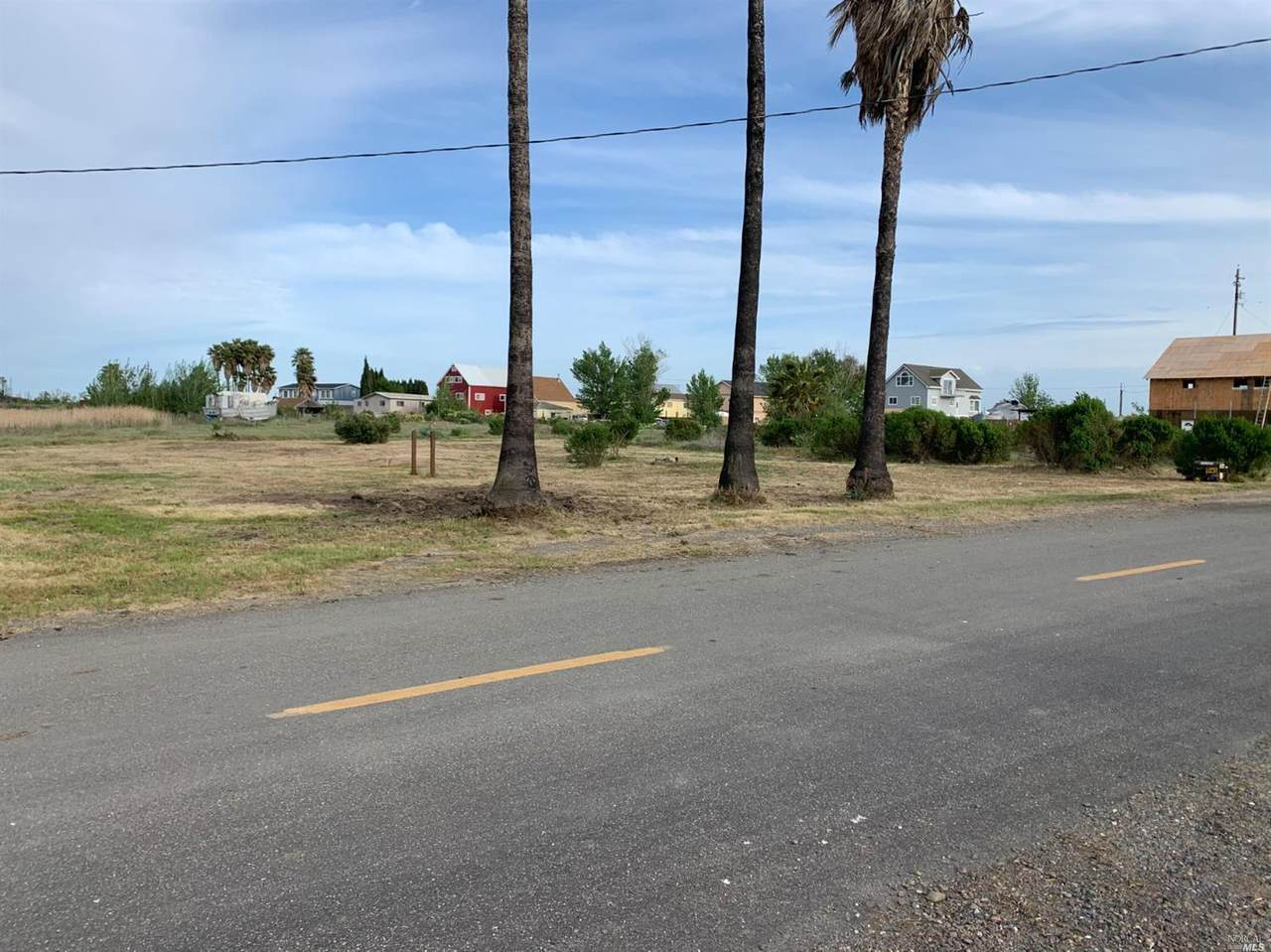 1092 Collinsville Road - Photo 1