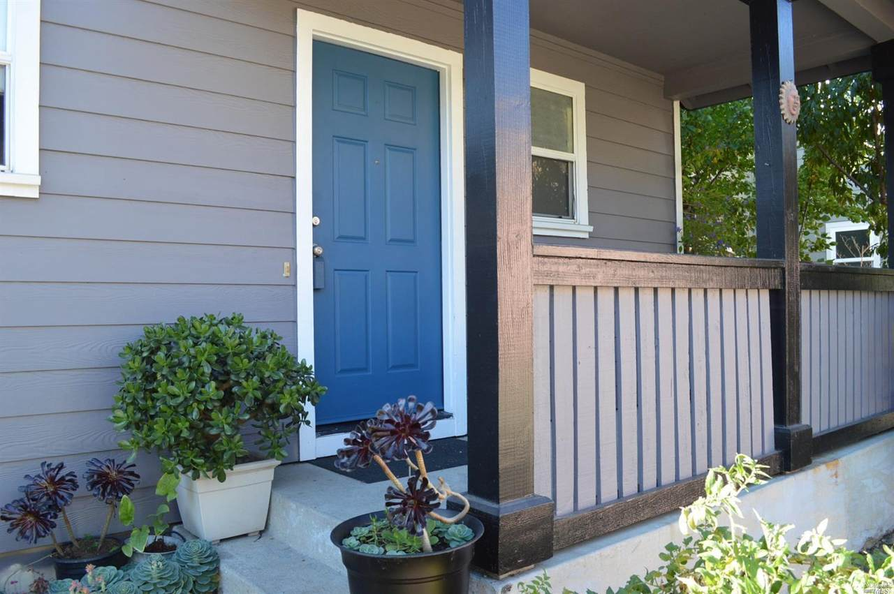804 Coulter Street - Photo 1