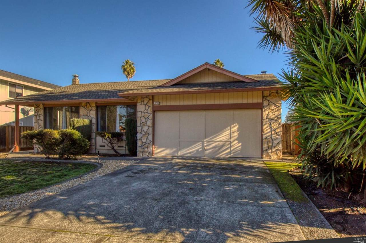 4706 Country Club Drive - Photo 1