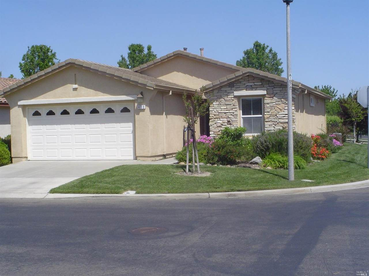 400 Conway Drive - Photo 1