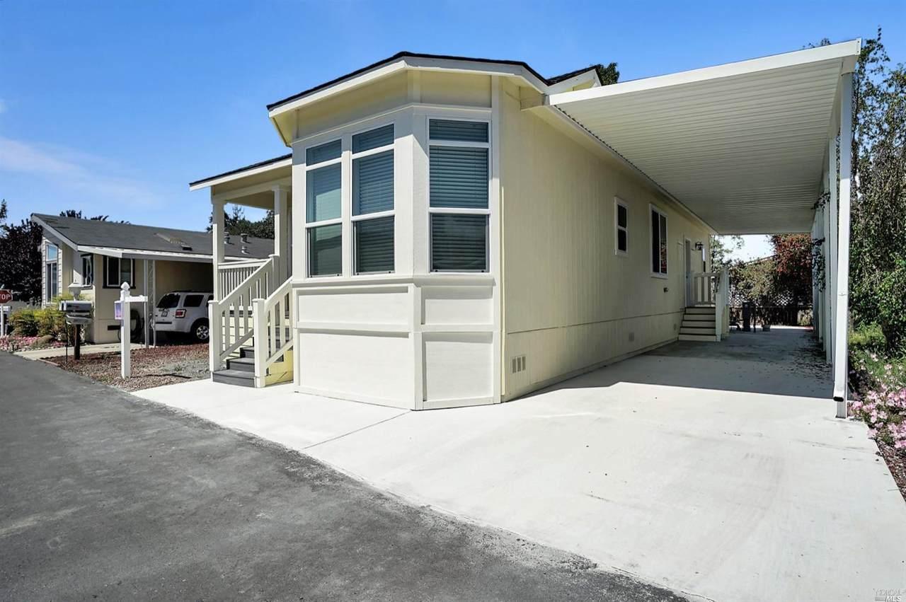 712 Sequoia Street - Photo 1
