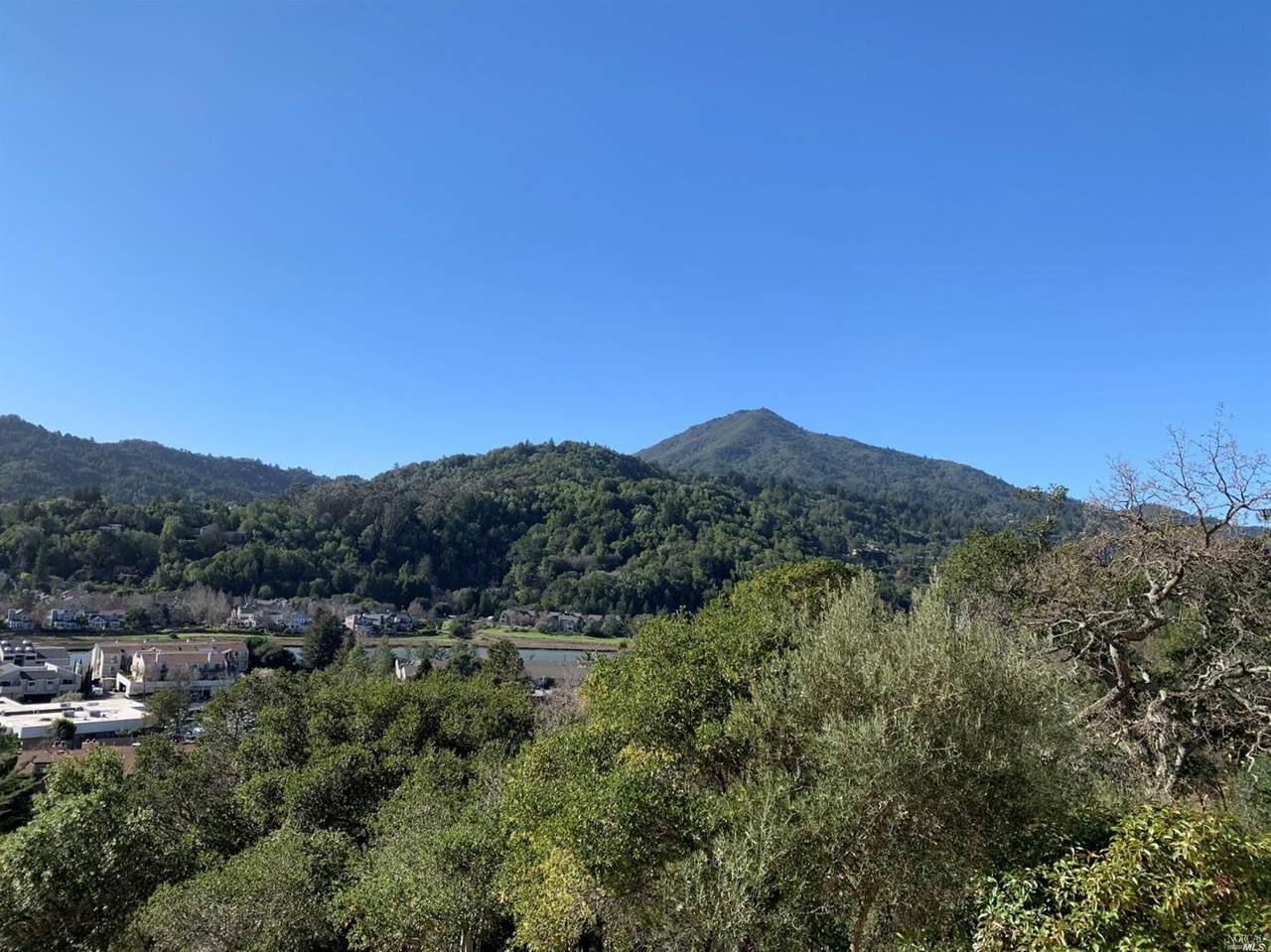 565 Via Casitas - Photo 1