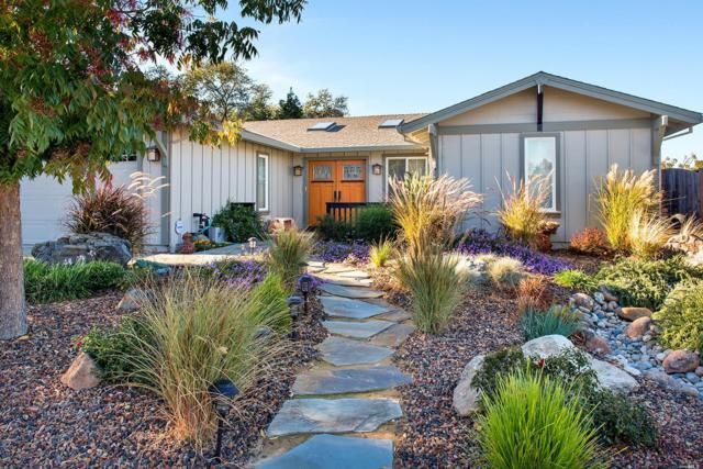 306 Sunrise Drive, Cloverdale, CA 95425 (#21726832) :: The Todd Schapmire Team at W Real Estate