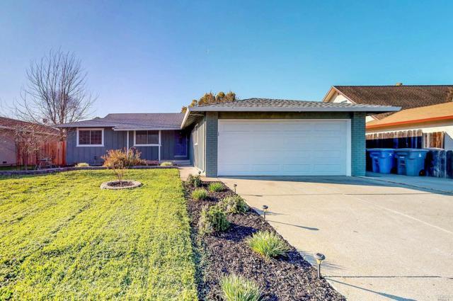 1042 Woodridge Drive, Vacaville, CA 95687 (#21805809) :: Intero Real Estate Services