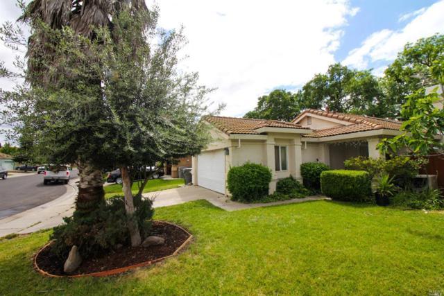 447 Robin Drive, Woodland, CA 95695 (#21811282) :: Ben Kinney Real Estate Team