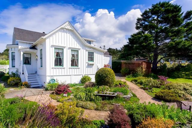 10501 Evergreen Street, Mendocino, CA 95460 (#21811403) :: Ben Kinney Real Estate Team