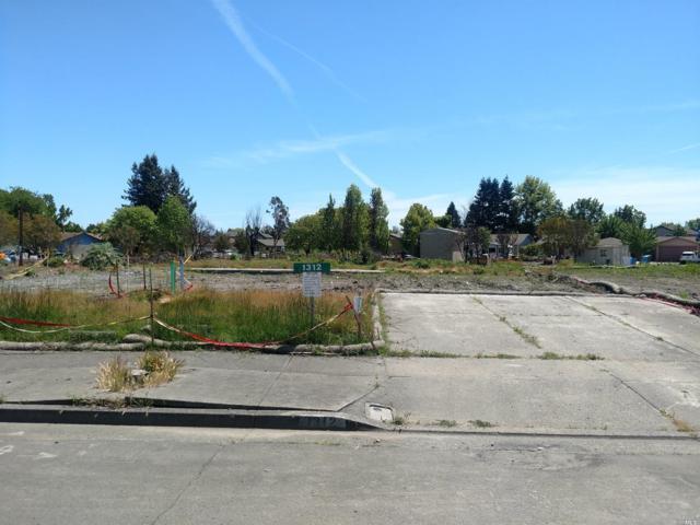1312 Cashew Road, Santa Rosa, CA 95403 (#21812308) :: Ben Kinney Real Estate Team
