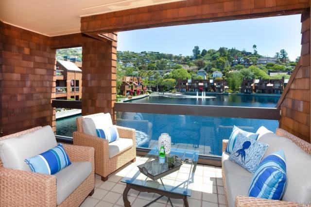 15 Lagoon Vista, Tiburon, CA 94920 (#21813800) :: Rapisarda Real Estate