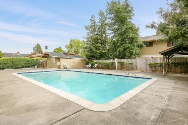 300 Stony Point Road #201, Santa Rosa, CA 95401 (#21817530) :: RE/MAX GOLD
