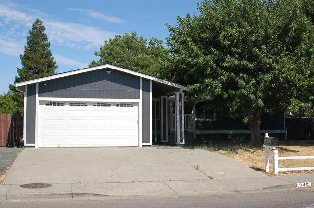 945 Davis Street, Vacaville, CA 95687 (#21818326) :: Windermere Hulsey & Associates