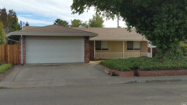 565 W Monte Vista Avenue, Vacaville, CA 95688 (#21824302) :: Ben Kinney Real Estate Team