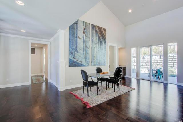 15 Zandra Place, Novato, CA 94945 (#21826987) :: Lisa Imhoff | Coldwell Banker Kappel Gateway Realty