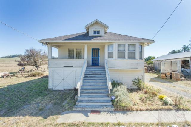 472 Pepper Lane, Petaluma, CA 94952 (#21827028) :: Rapisarda Real Estate