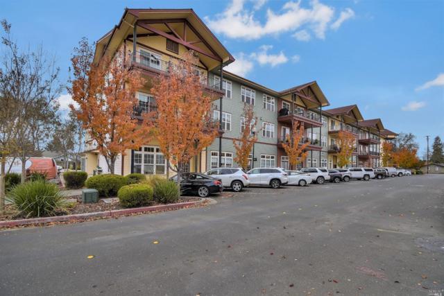 192 Johnson Street, Windsor, CA 95492 (#21830518) :: Rapisarda Real Estate