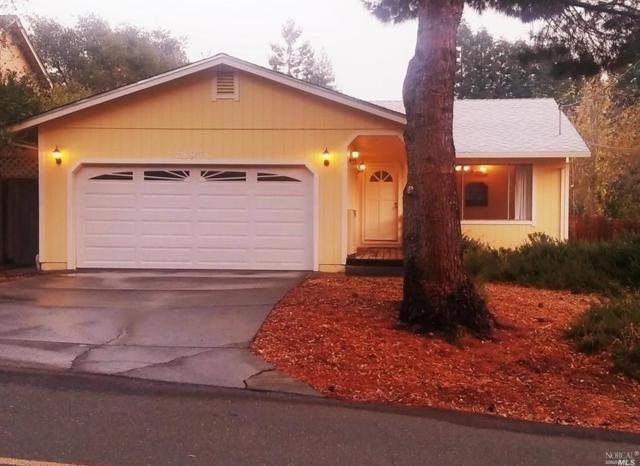 18971 Ravenhill Road, Hidden Valley Lake, CA 95467 (#21830904) :: Intero Real Estate Services