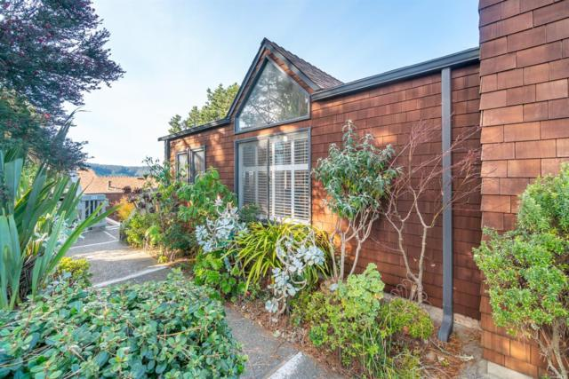 595 Headlands Court, Sausalito, CA 94965 (#21900910) :: Ben Kinney Real Estate Team