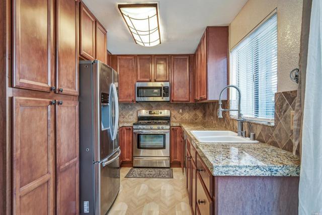1723 Oldfield Way, Santa Rosa, CA 95401 (#21901194) :: W Real Estate | Luxury Team