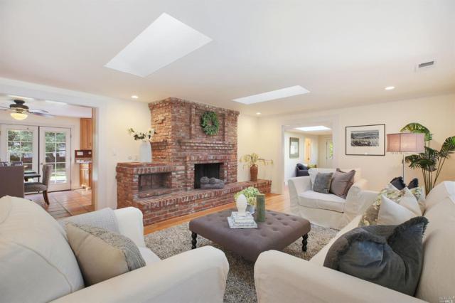 650 Deer Park Road, St. Helena, CA 94574 (#21902473) :: Ben Kinney Real Estate Team