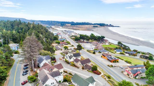 39108 Ocean Drive, Gualala, CA 95445 (#21902995) :: Ben Kinney Real Estate Team