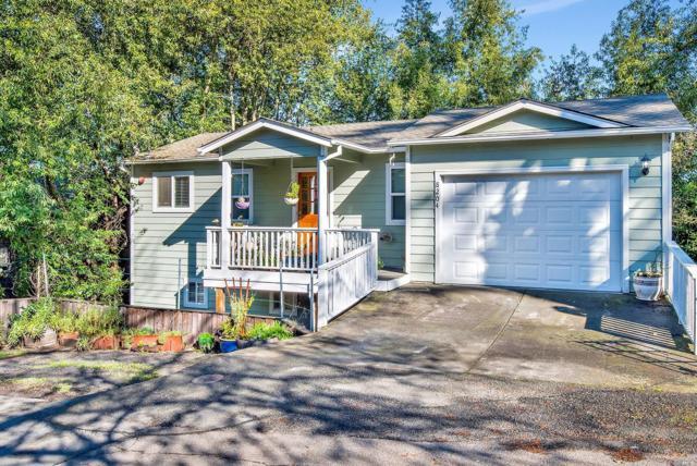 8204 Park Avenue, Forestville, CA 95436 (#21904914) :: Rapisarda Real Estate