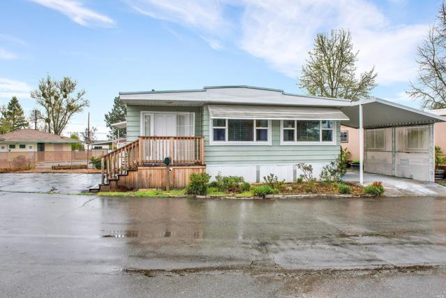 6730 Redwood Avenue, Sebastopol, CA 95472 (#21906596) :: Rapisarda Real Estate