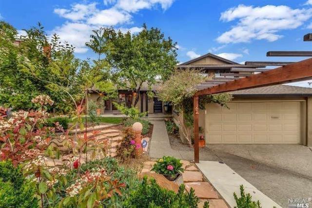 449 La Cresta Drive, Vacaville, CA 95688 (#21909276) :: Michael Hulsey & Associates