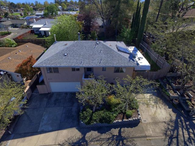 837 14th Street, Lakeport, CA 95453 (#21909445) :: Michael Hulsey & Associates
