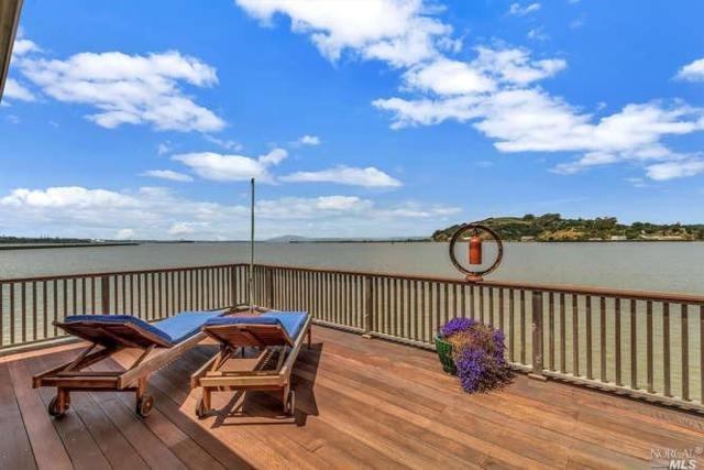 32 Sandy Beach Road, Vallejo, CA 94590 (#21911018) :: Intero Real Estate Services
