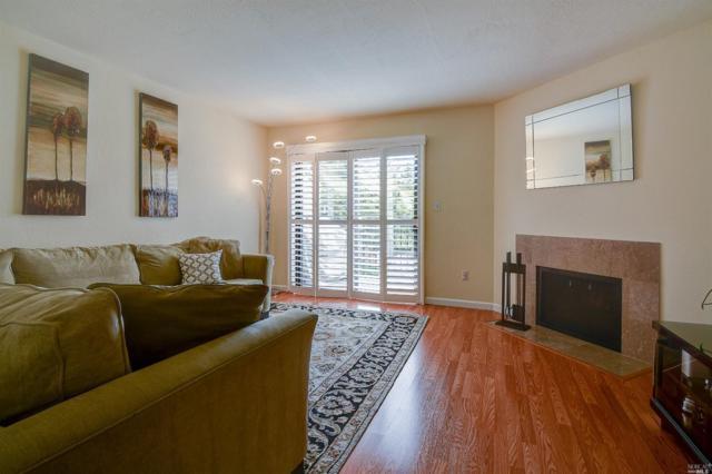 100 Marin Center Drive #23, San Rafael, CA 94903 (#21911125) :: Intero Real Estate Services