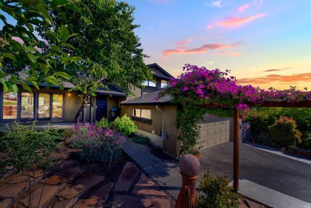 449 La Cresta Drive, Vacaville, CA 95688 (#21911612) :: Rapisarda Real Estate