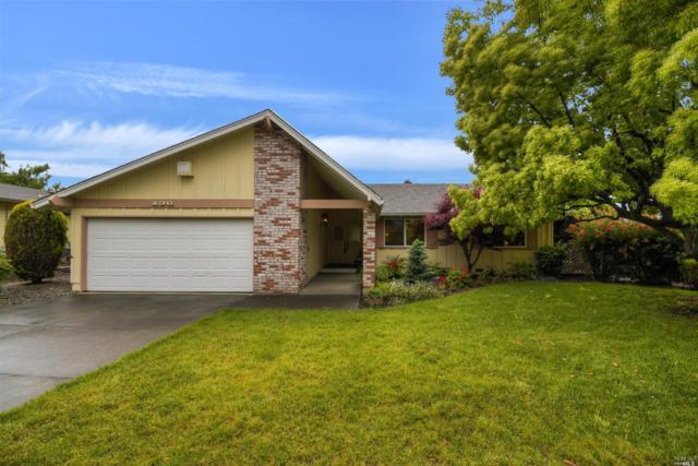 136 Old Oak Lane, Santa Rosa, CA 95409 (#21912332) :: Intero Real Estate Services