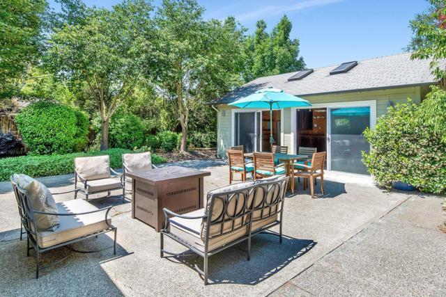727 Center Street, Healdsburg, CA 95448 (#21915702) :: W Real Estate | Luxury Team