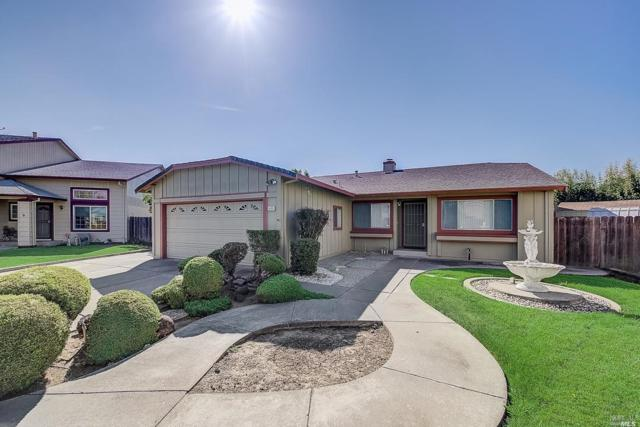 1423 Langley Way, Suisun City, CA 94585 (#21917960) :: Rapisarda Real Estate