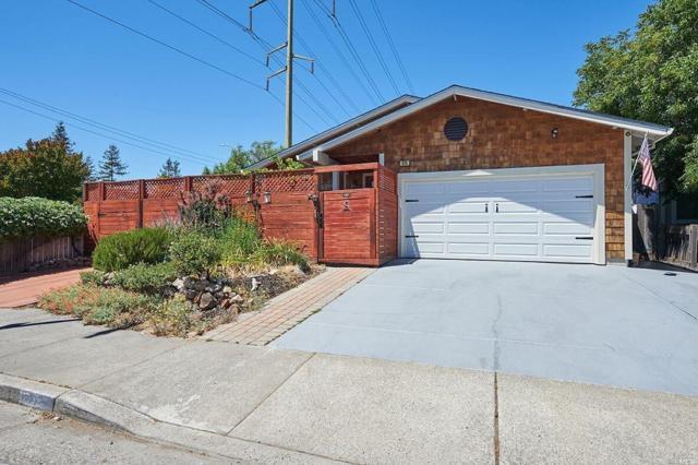 478 Manka Circle, Santa Rosa, CA 95403 (#21918328) :: Rapisarda Real Estate