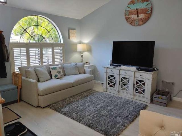 16 Golden Gate Circle, Napa, CA 94558 (#21918455) :: Perisson Real Estate, Inc.