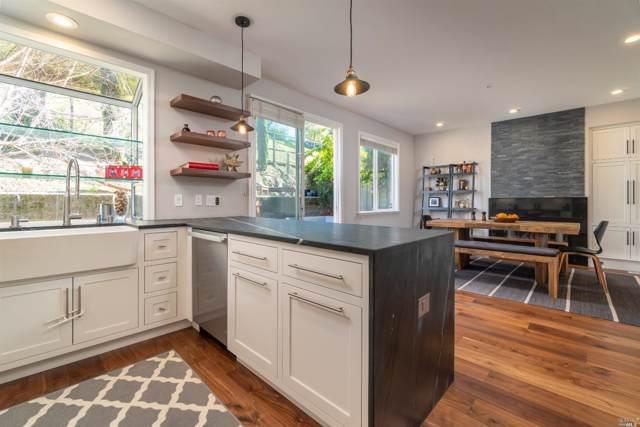 10 Smith Ranch Court, San Rafael, CA 94903 (#21928994) :: Rapisarda Real Estate
