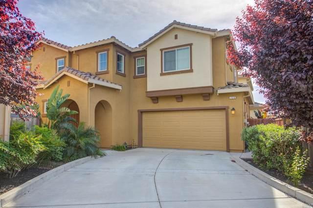 728 Del Mar Circle, Vacaville, CA 95688 (#22002397) :: Rapisarda Real Estate