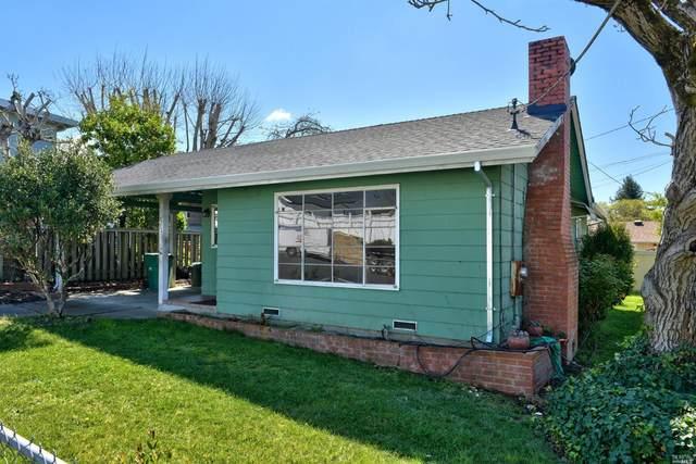 712 Badger Street, Healdsburg, CA 95448 (#22006925) :: Rapisarda Real Estate