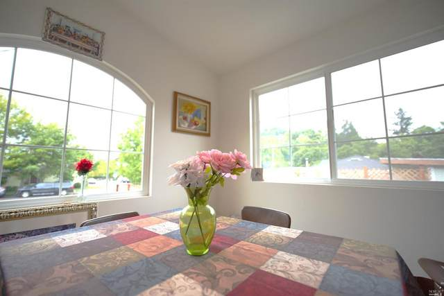 1652 Ronne Drive, Santa Rosa, CA 95404 (#22011009) :: Hiraeth Homes
