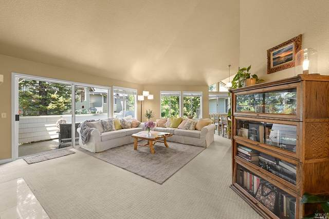 2076 Stonefield Lane, Santa Rosa, CA 95403 (#22016022) :: RE/MAX GOLD